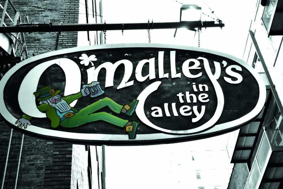 O'Malley ist in der Gasse