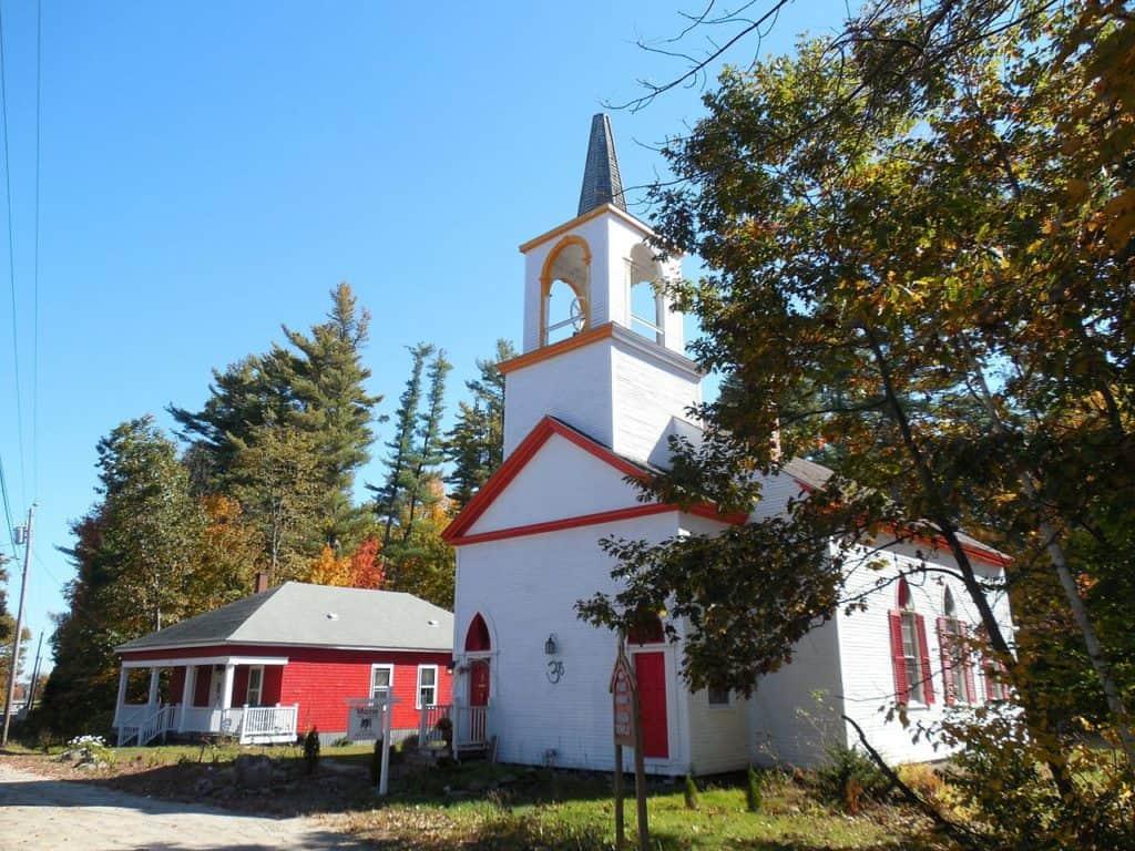 Eigentümer Versammlungshaus und Pfarrhaus
