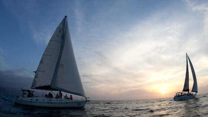 Geteilte Sonnenuntergang-Segelkreuzfahrt in Cabo San Lucas